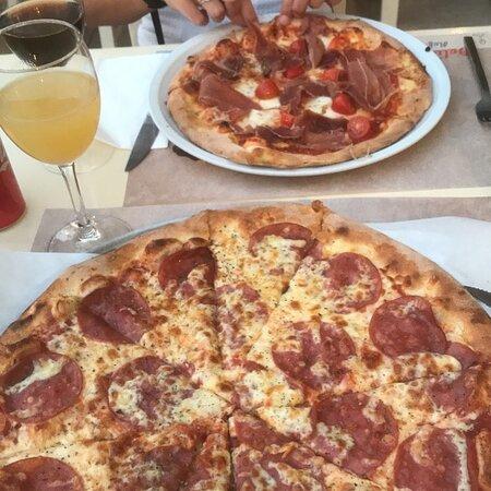 Rigtig gode, sprøde og lækre pizza