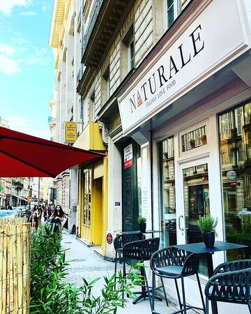 Notre restaurant Naturale situé au 40 bis rue du faubourg poissonnière à Paris 10eme