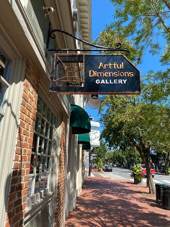 Fredericksburg, VA: The only 3 dimensional gallery in Virginia