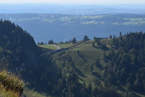 It was a privilege for me that I was able to climb at the location of the Chasseral Restaurant and the Chasseral Antenne in Nods, Switzerland on the 06th of August 2020. The views are very panoramic and visibly manicured mountains.