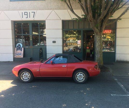 Bergstrom's Antique & Classic Auto