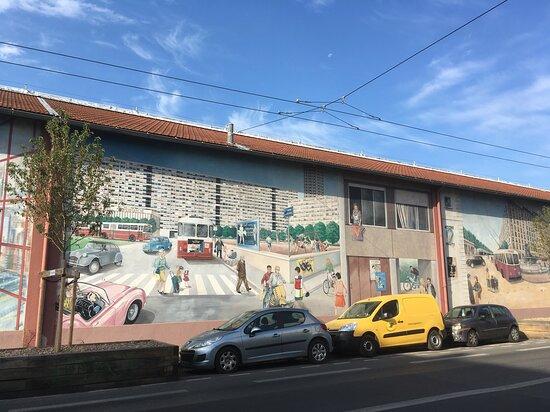 Fresque des Transports Lyonnais