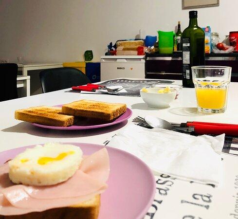 Desayuno diario, preparado por Rafa todas las mañanas a sus huespedes.