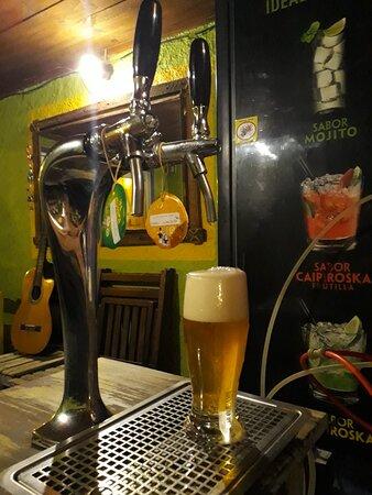 "Aguas Dulces, Uruguay: Cerveza artesanal ""Cabesas bier"""