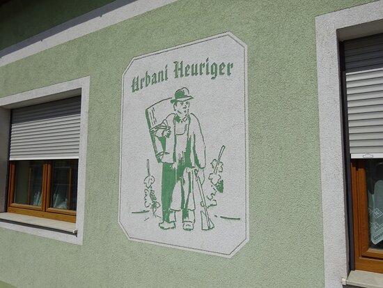 Feuersbrunn, Ausztria: Urbani Heuriger