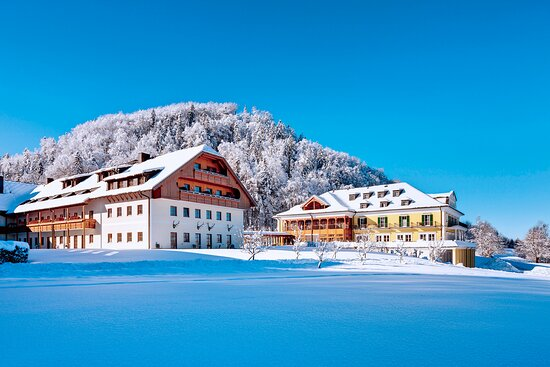 Hotel Bar - Photo de Sheraton Fuschlsee-Salzburg Hotel Jagdhof, Hof bei Salzburg - Tripadvisor