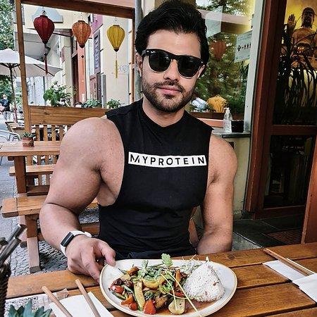 @ayk__er: Für mich gab es 4 Sommerrollen und ein Reisgericht mit Tofu und Gemüse