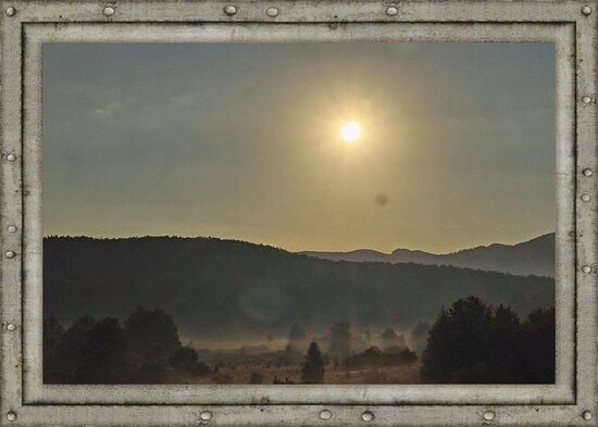 Jezerce, Hrvatska: Blick aus dem Zimmer 5 beim Sonnenaufgang Ende August.