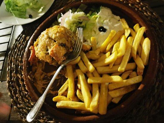 Es Llombards, Spain: Prato grego (delicioso)