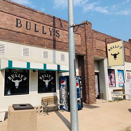 Fleming, Colorado: Bully's Street View