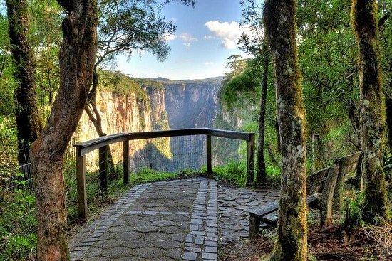 Caminhada Trekking no Canyon Itaimbézinho   Com embarque Cambará do...