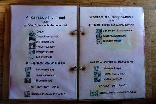 Tauplitz, Αυστρία: An Schnäpsen herrscht kein Mangel.