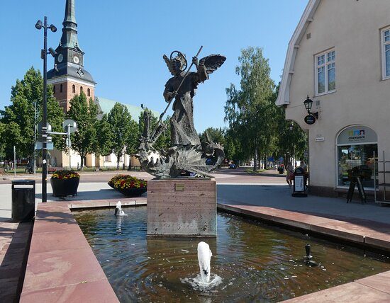Statyn ''s:t Mikael Och Draken''