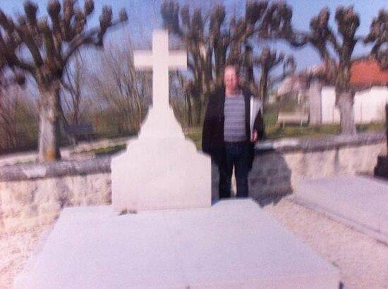 Tombe Du General De Gaulle