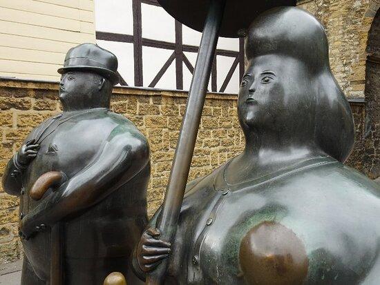Rosentor Skulpturen
