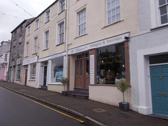 Anglesey Antiques And Interiors