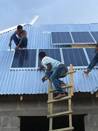 Iringa Region, Tanzania: Solar panels for electricity