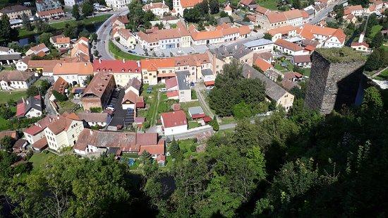 Vranov nad Dyji, República Checa: Draufsicht vom Schloss auf den Ort Vranov