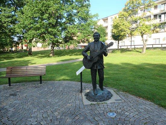 Statyn ''gunde Johansson''