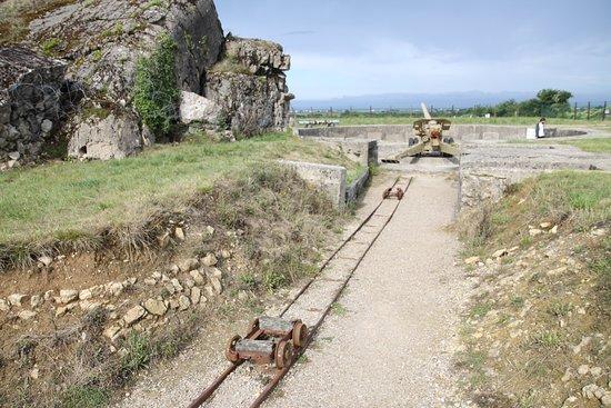 Saint-Marcouf, Francie: Canon et blockhaus détruit