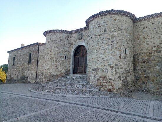 Castello Principi Biondi-Morra