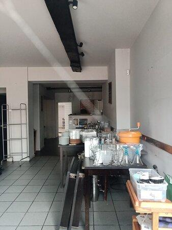 Condé-sur-l'Escaut, France : Hélas, fermé définitivement ...