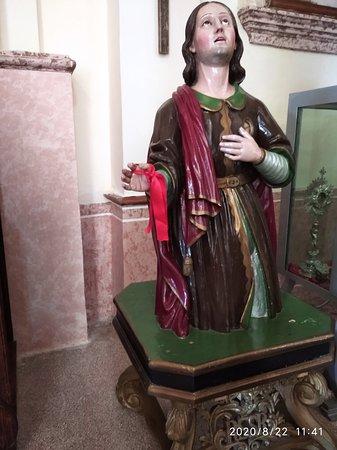 Roggiano Gravina, إيطاليا: Statua  piu Busto di Santo