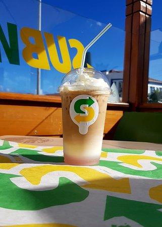 Nada melhor para refrescar num dia de calor... Ice coffee !! Com vários sabores.