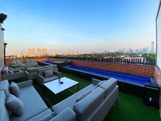 Rooftop Bar Picture Of Erian Hotel Jakarta Tripadvisor