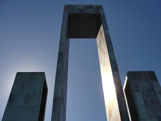 Monumento ao Triunfo das Gentes da Maia