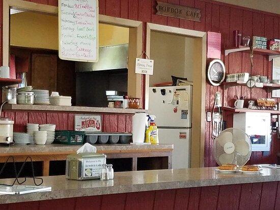 Bowdon, Dakota Północna: Specials menu.