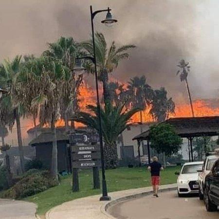 Centro Comercial Laguna Village: Fire!
