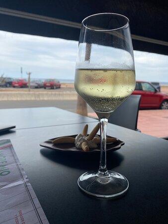 Copita de vino Yllera con vistas