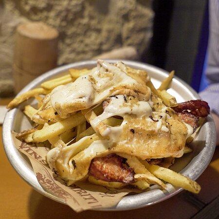 Patatine fritte fresche con orange cheddar & Bacon croccante
