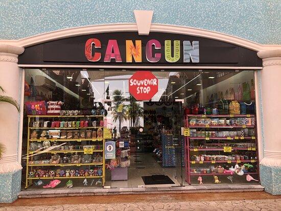 Cancun Souvenir Stop