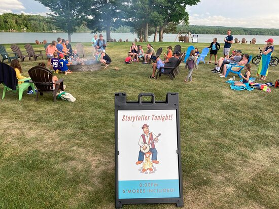 Cohasset, MN: Casey the Storyteller bonfire