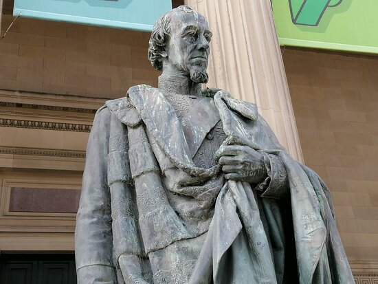 Statue Of Earl Of Beaconsfield