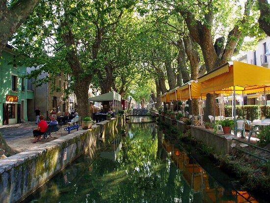 Saint-Andre-de-Roquepertuis, Frankreich: Goudargues, la petite Venise gardoise