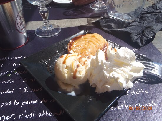Villars-Colmars, France: Tarte poire amandes «Maison «