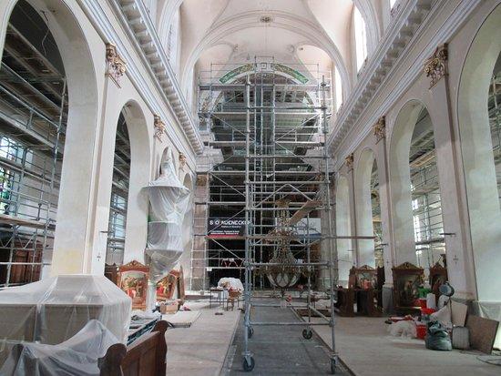 Eglise Saint-Pierre et Saint-Paul: Eglise de Burnhaupt-le-Bas en rénovation intérieure