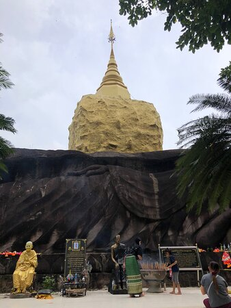 タイ仏教のテーマパーク