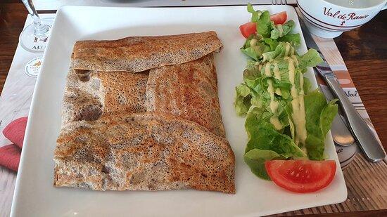 Souppes-sur-Loing, Pháp: La galette à l'andouille.