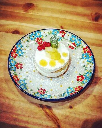 Dessert du jour Ricotta&Mele : biscuit aux amandes, pommes reinettes confites, crème de ricotta et miel bio