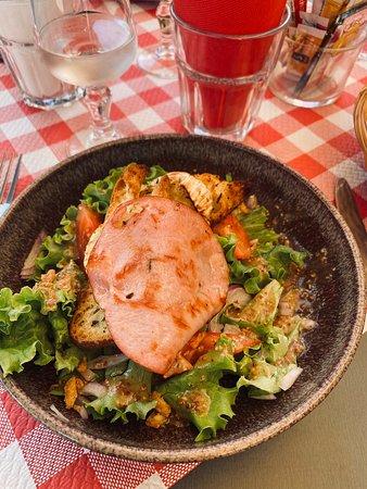 Excellents 👍👌, gardiane de taureau , tartine de chèvre chaud ,et salade de la mer
