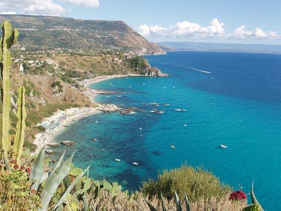 Military lighthouse: costa a Sud vista dal Capo