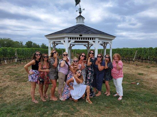 Hello Wine Tours