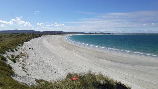 Isle of Berneray, UK: Clachen Sands (nearby beach)
