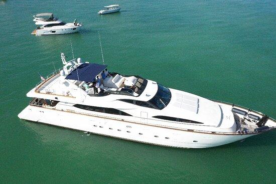 UNIQ Yacht Charters Miami