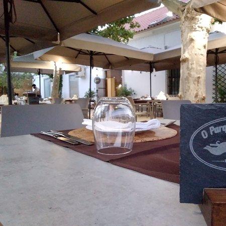 Esplanada do Restaurante o Parque  Dos Leitões Évora