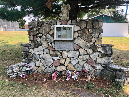 Oquawka, IL: Norma Jean the Elephant Memorial